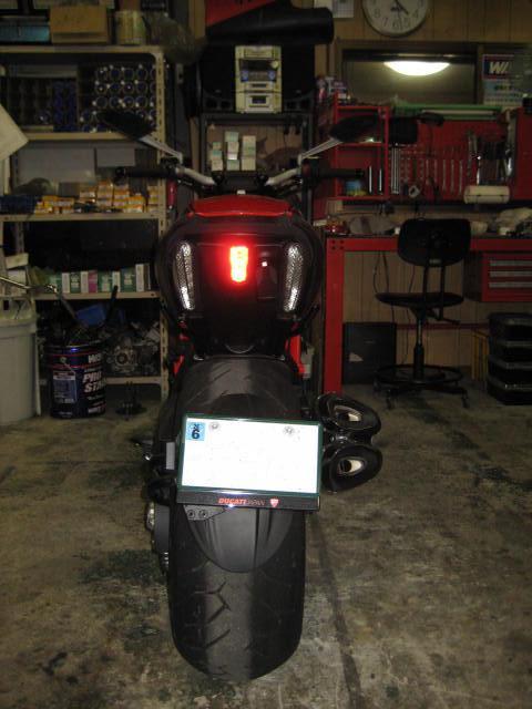 IT ヘルメットホルダー取り付け (3)