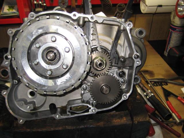 KSエンジン組み立て腰下完成 (14)