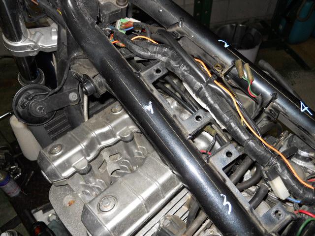KMヘッドカバー修理 (3)