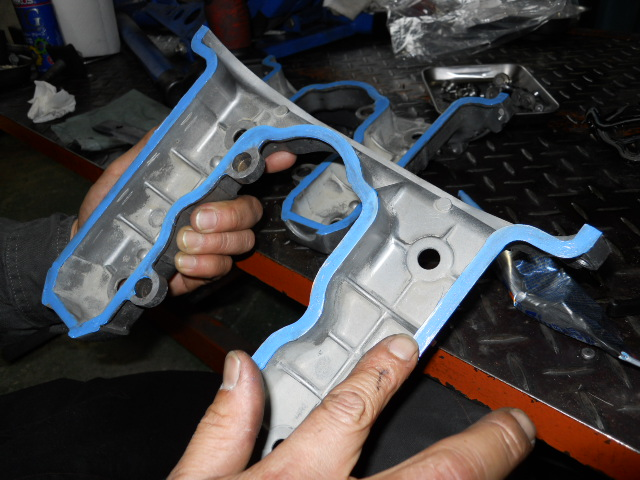 KMヘッドカバー修理 (15)