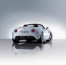 Alfa-Romeo-8C-Spider-3