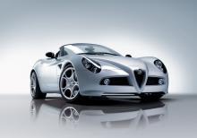 Alfa-Romeo-8C-Spider-1