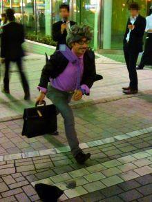 $原宿と渋谷の間に間に-動かないイタリア人-1