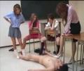 女教師とJK達の前で強制オナさせされたい!