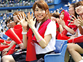 球場で可愛い女子校生のエッチなSEXをお見せします