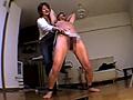 志願奴隷の肉棒を玩具代わりに性虐待する巨女