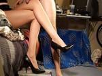 組んだ脚の間にアソコを挟まれたい!
