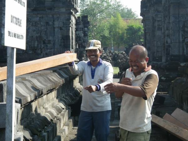 Workers @Prambanan 02