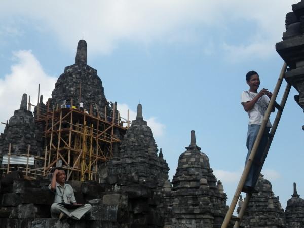 Workers @Prambanan 04
