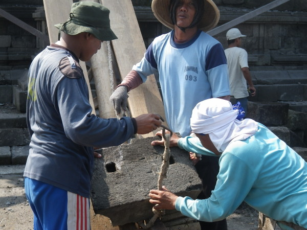 Workers @Prambanan 05