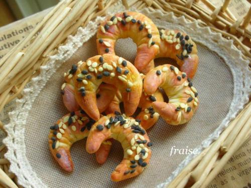 フランスパンのブローチ1