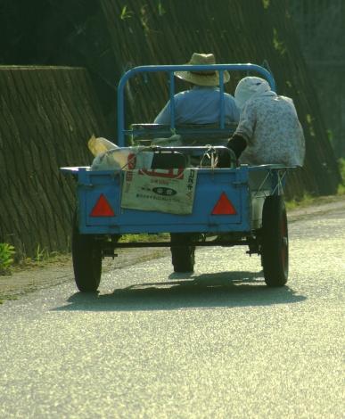 三輪作業車