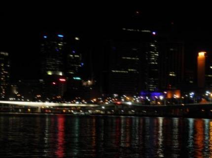 夜のシティ