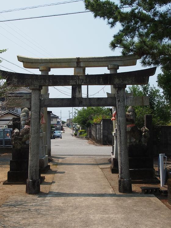 神社巡り31 住吉神社 境内から外を眺める
