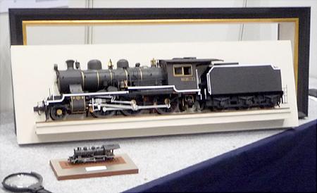 HO8630 プロトと壁掛け機関車