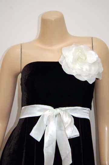 大きめ花コサージュ ミディアムドレス