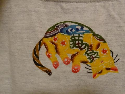 猫の家のTシャツ02(2013.08.22)