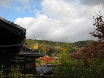 ガーデンオリエンタル アトリエバルコニーから東山