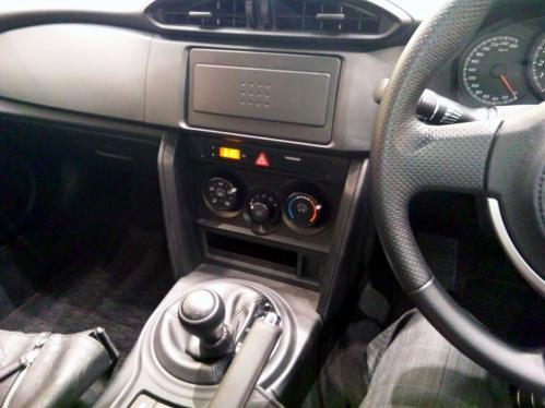 86_interior_02