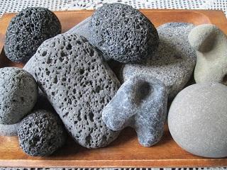 八丈島の石