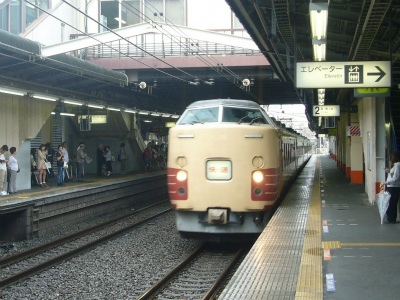 中央線・春の増発列車08