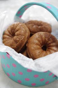 焼きドーナツ IN 丸型小物入れ 2
