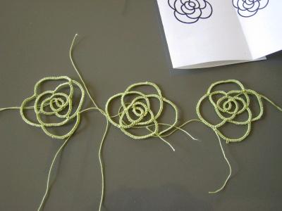 タティングレースのバラ 試作品