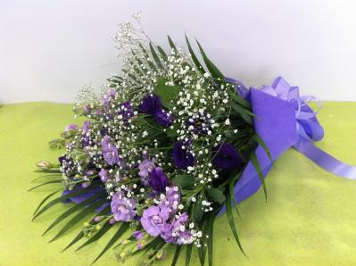 パープルブルー系の花束