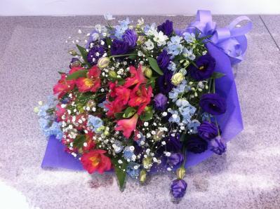 トルコキキョウとアルストロメリアの花束