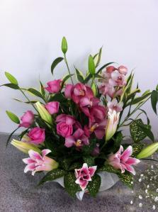 ピンクの誕生日アレンジメント