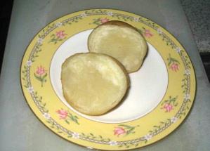 ティファニーのお皿にも合う北海道のジャガイモです。