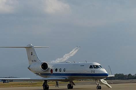 政府の飛行機?