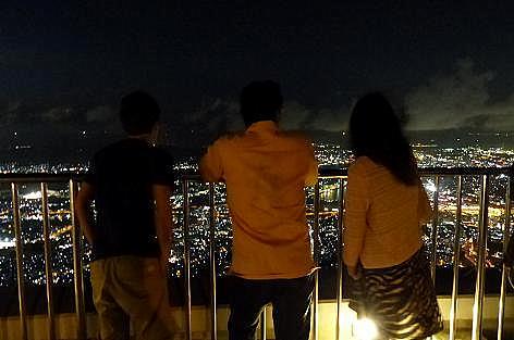 頂上からの夜景♪