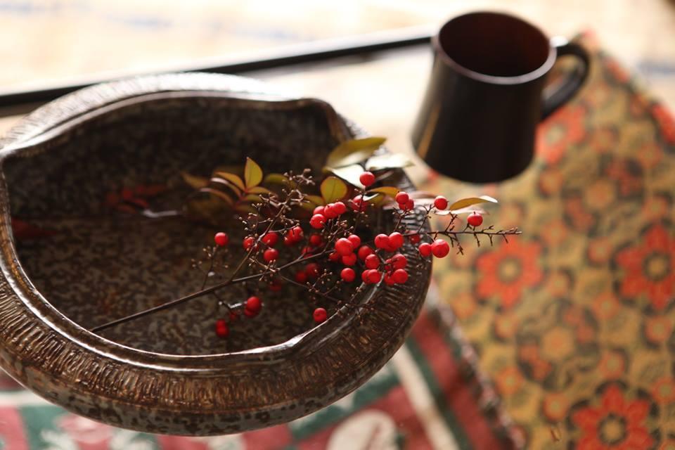 花器と端切れとコーヒー
