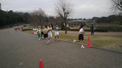 小中学生も走る走る