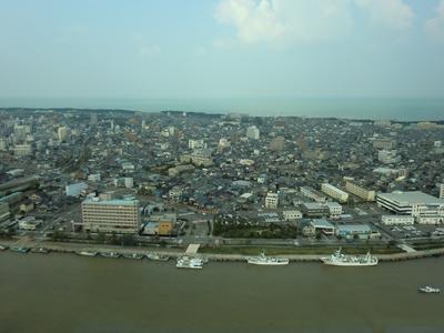 朱鷺メッセから見た新潟市