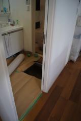 床下への入り口