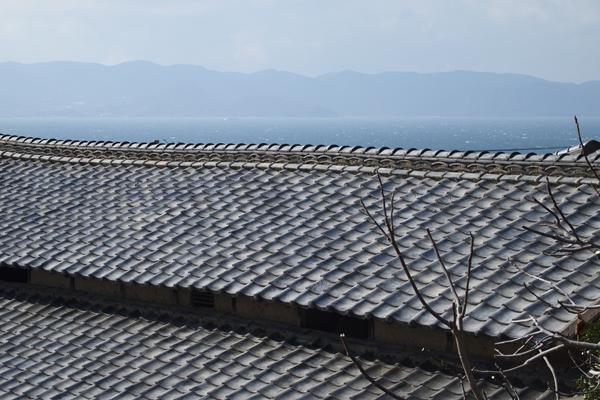 15・大屋根と海原