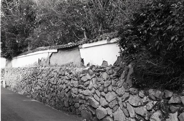 06・滅びゆく白壁