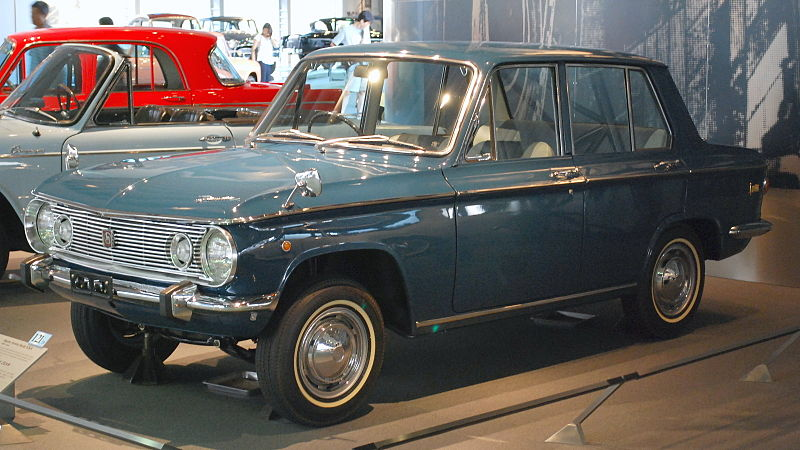 800px-1964_Mazda_Familia_01.jpg