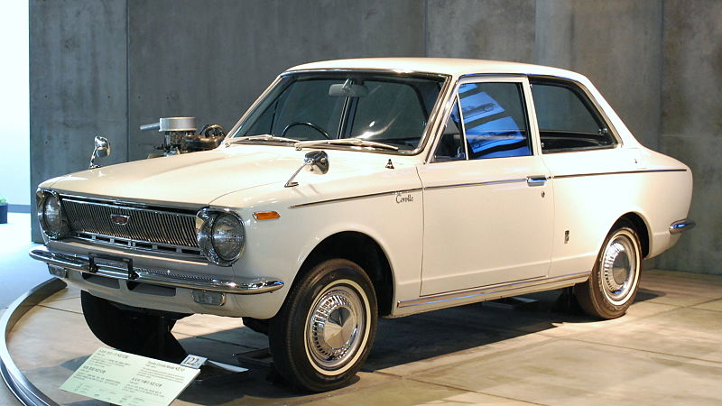 800px-1966_Toyota_Corolla_01.jpg