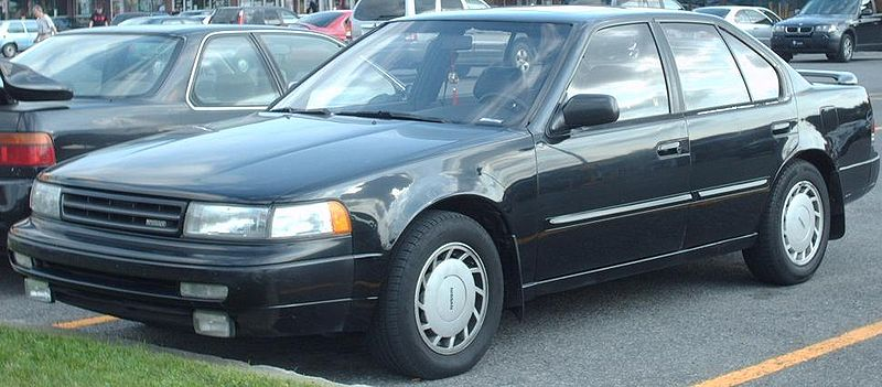 800px-89-90_Nissan_Maxima.jpg