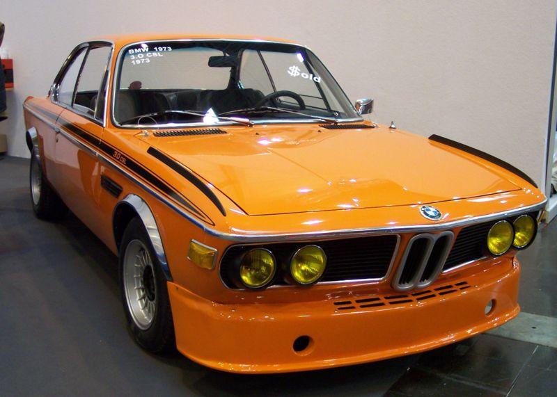 800px-BMW_30_CSL_1973_orange_vr_TCE.jpg