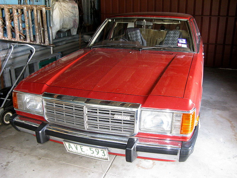 800px-MHV_Mazda_929L_1983_01.jpg