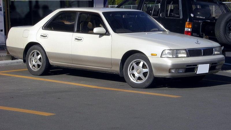 800px-Nissan_Laurel_1993.jpg