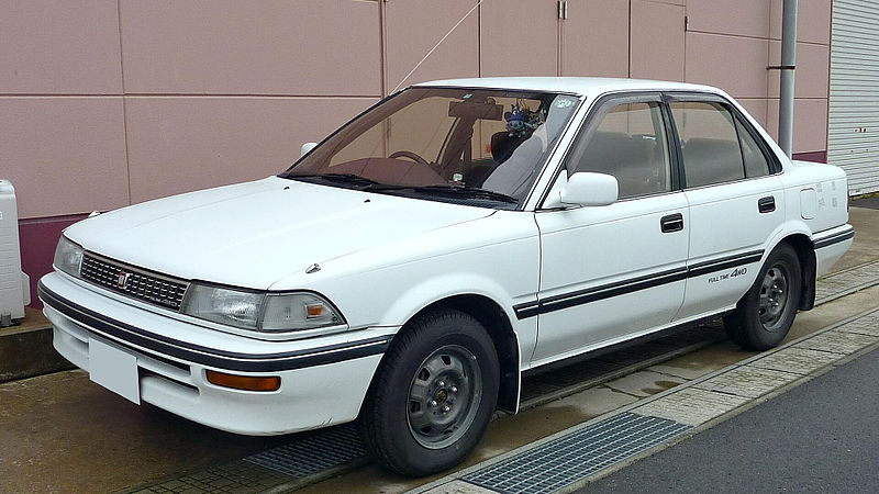 800px-Toyota_Corolla_1989.jpg