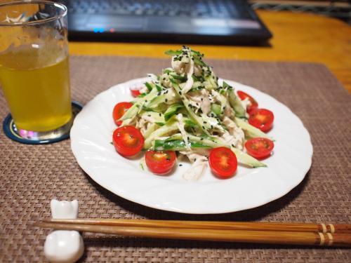 夕食☆ささみときゅうりとトマトのサラダ