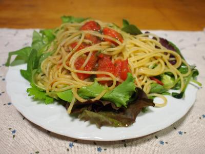 トマトのバジルソースパスタ