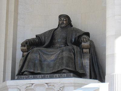 チンギスカン像(ウランバートル市内)