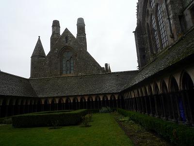 013,2,1、モンサンミッシェル修道院、内部中庭、P1040337